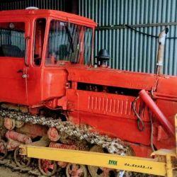 Бульдзер ДТ-75 (гусеничная самоходная машина с механической трансмиссией)